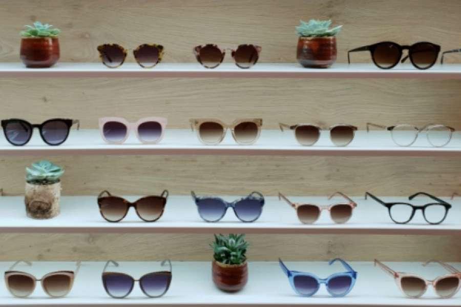 Lavoro facile 6 magazzinieri per azienda di occhiali a for Azienda italiana di occhiali