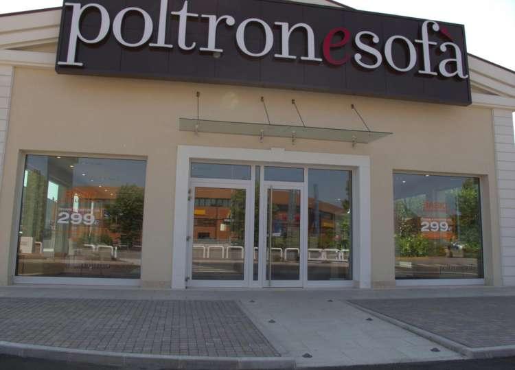 Lavoro facile poltronesof ne vuole 72 per i negozi e la - Poltronesofa verona ...