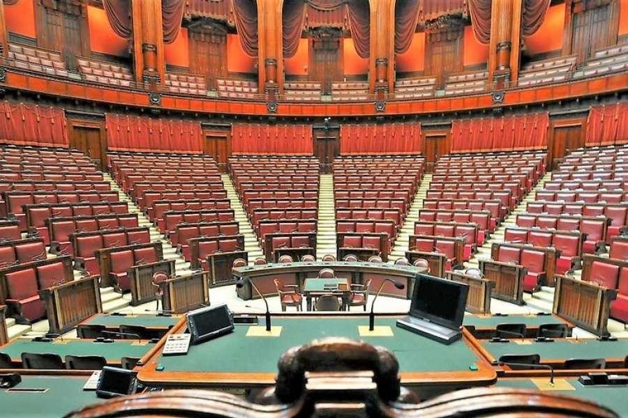 Lavoro facile camera dei deputati 800 entro il 2020 ma for Rassegna stampa camera deputati