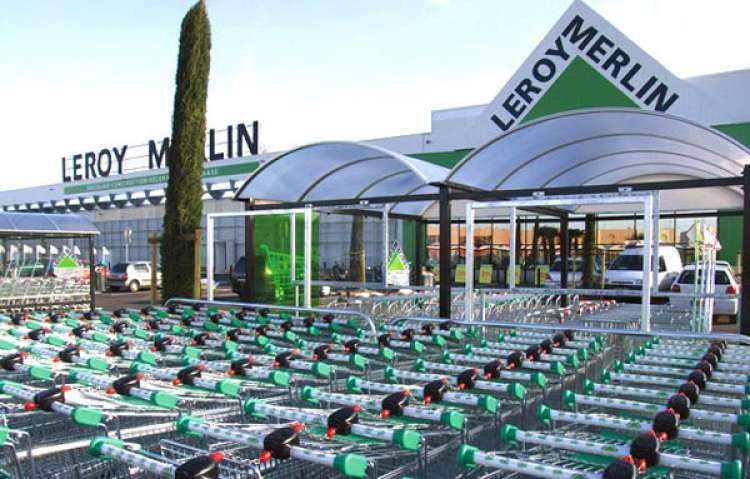 100 Leroy Merlin: capi settore, consiglieri di vendita e hostess